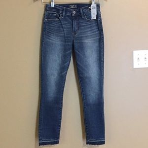 Abercrombie and Fitch Mid Rise Super Skinny Ankle Jeans 25 Regular